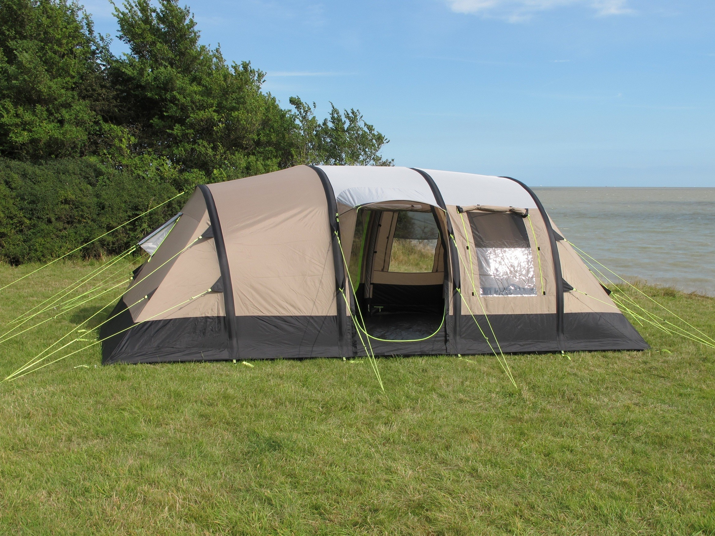 & Kampa Southwold 4 + 2 AirFrame Tent